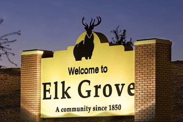 The welcome to Elk Grove, CA sign.