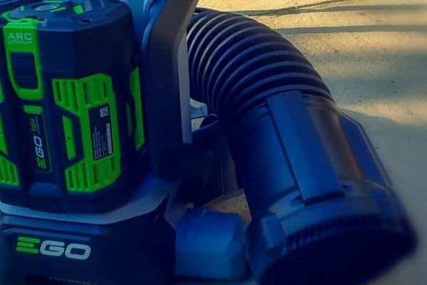 Battery back pack blower in blue